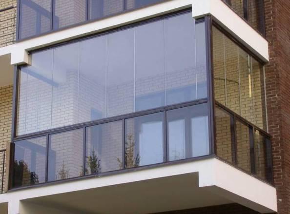 Остекление балкона — варианты
