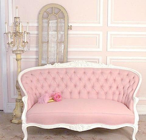 Винтажные диваны: вторая жизнь любимой мебели