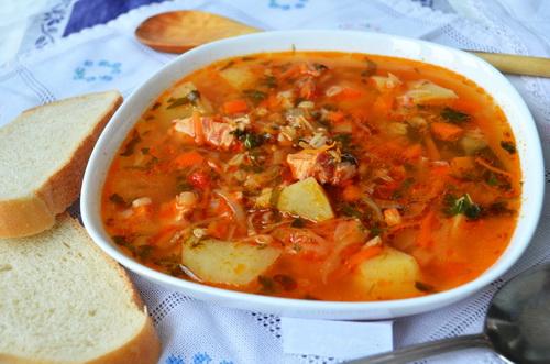 Традиционный суп харчо с черносливом