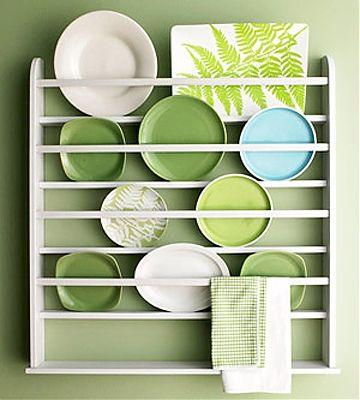 Простая красота: 5 советов о том, как использовать кухонные тарелки в декоре интерьера