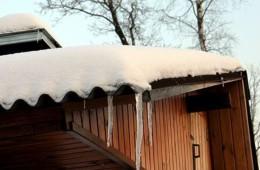 Жидкая резина — надежная защита от коррозии кровли зимой