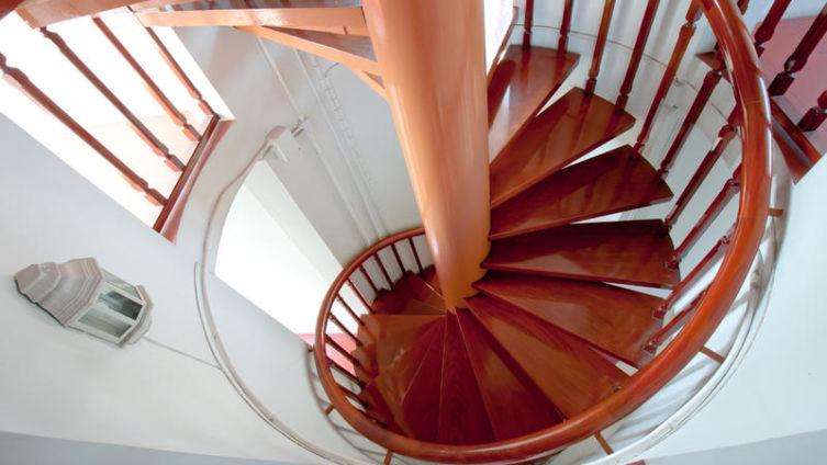 Как выбирают лестницы для домов?