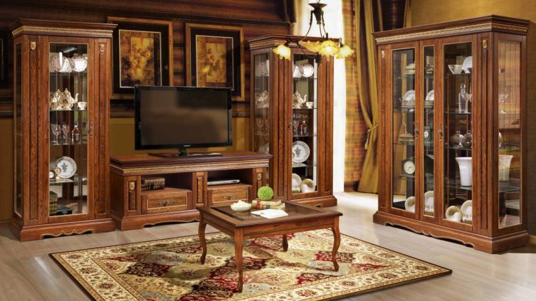 Как ухаживать за мебелью из массива?
