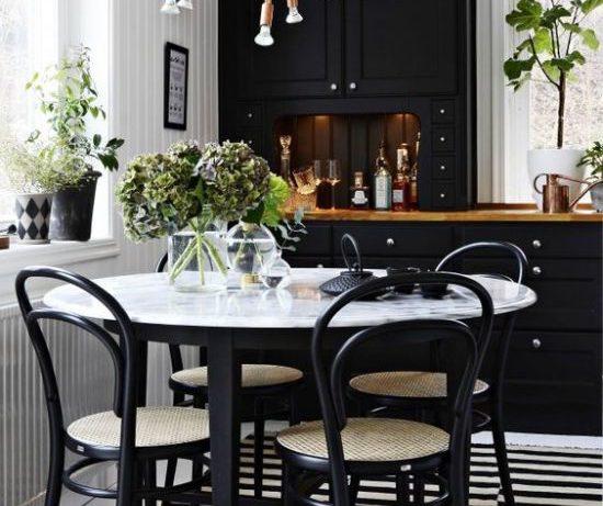 Черный цвет в интерьере кухни: несколько вдохновляющих примеров