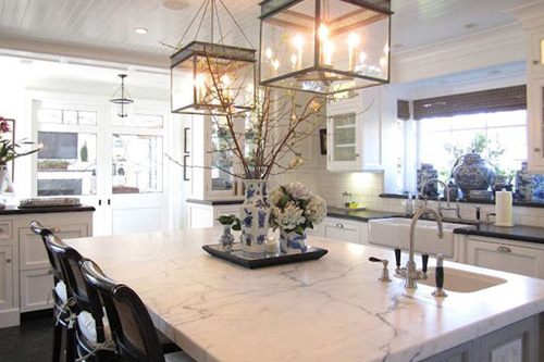 Белый мрамор в интерьере квартиры