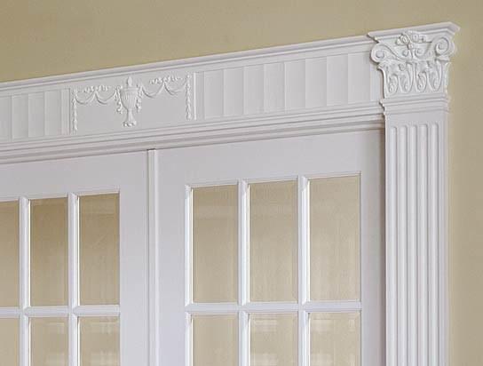 Сандрик — декоративный элемент для отделки дверного проема