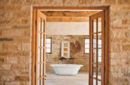Особенности и преимущества акриловой ванны