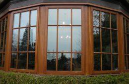 Современные деревянные окна со стеклопакетом