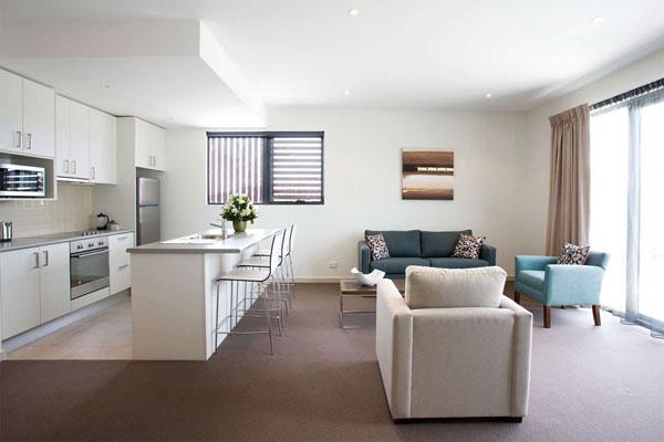 Маленькой квартире — минимализм
