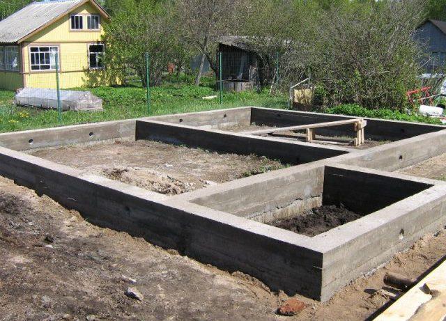 Заливка фундамента частного дома своими руками