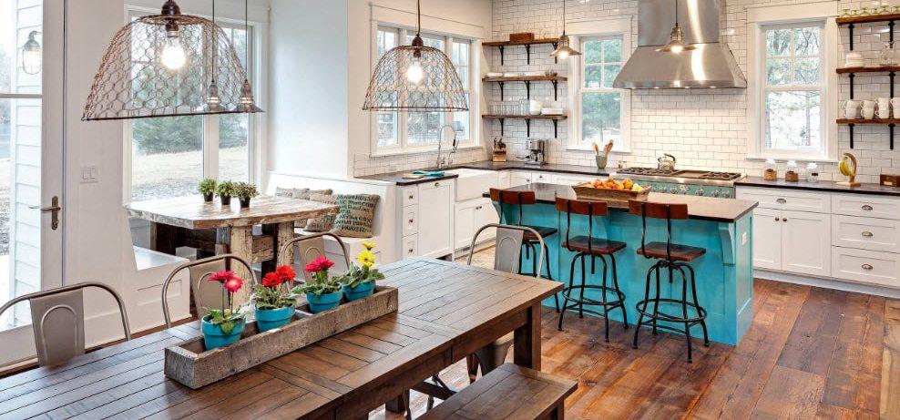 Форма и материал кухонного стол