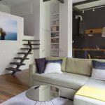 Квартира-студия с мезонином и тёмной стеной