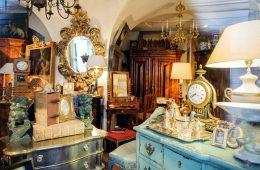 На заметку: где и как искать антикварные элементы мебели и декор за границей