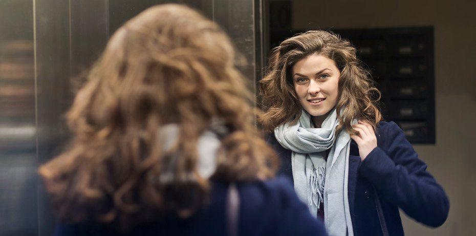Зачем в лифте зеркало? 5 веских причин