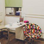 Как выбрать подходящий маникюрный стол?