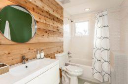 Декоративная отделка стен ванной комнаты: 8 оригинальных вариантов