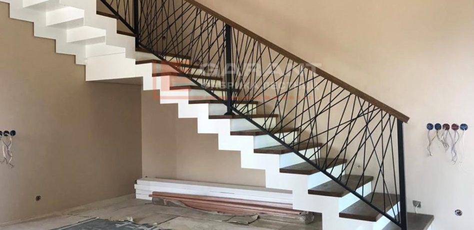 Виды лестниц на второй этаж дома: самые популярные варианты