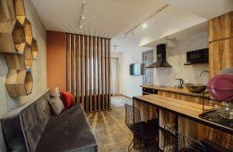 Да будет свет: как решить проблему с недостатком окон в квартире
