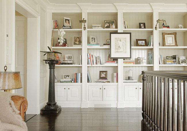 Встроенная деревянная мебель в доме
