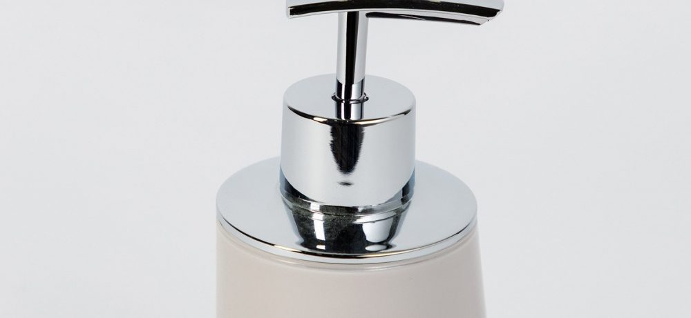 Как выбрать дозатор для жидкого мыла: виды и характеристики устройств