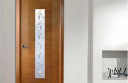 Особенности и достоинства современных деревянных межкомнатных дверей
